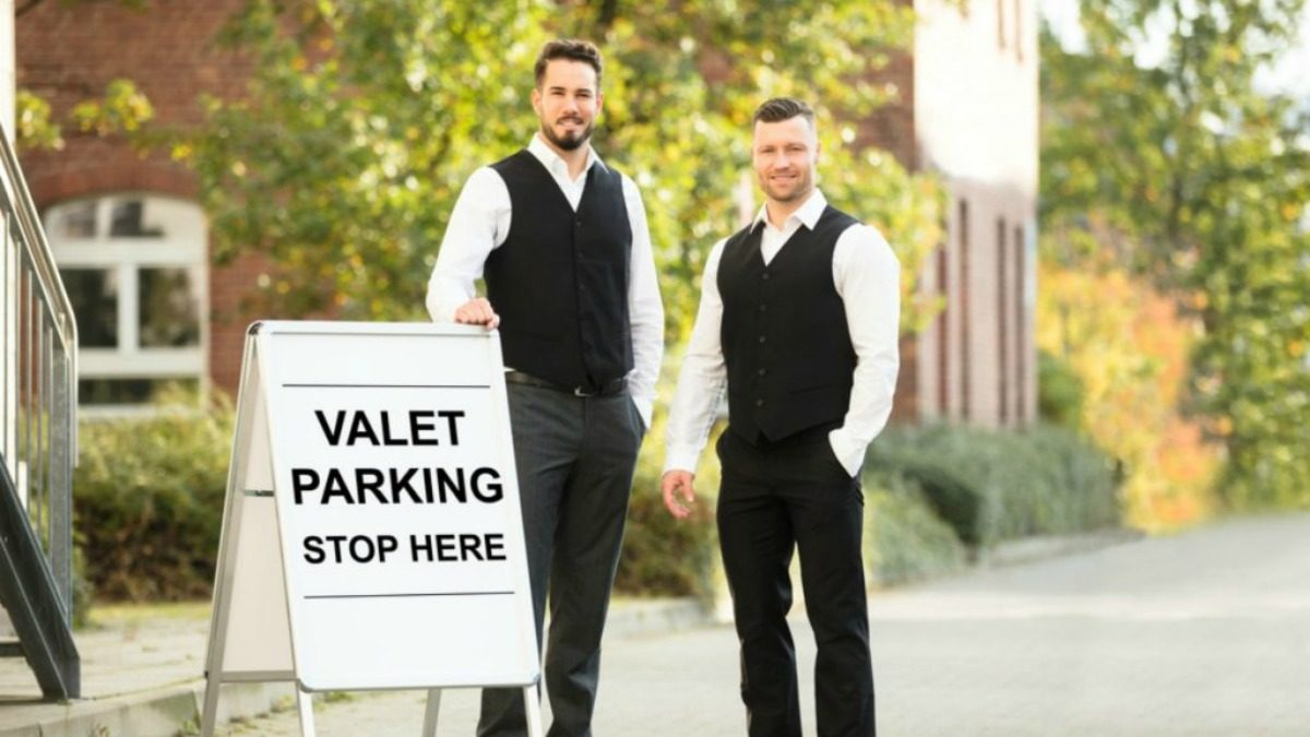 Here's How Much You Should Tip the Hotel Valet